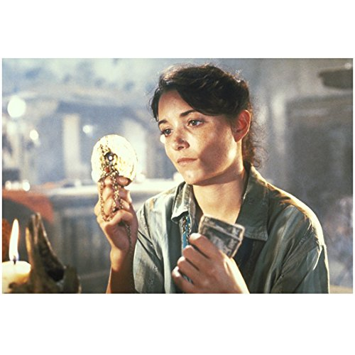 Karen Allen 8 inch x 10 inch Photo Raiders of the Lost Ark Indiana Jones and the Kingdom of the Crystal Skull Scrooged Holding Necklace & Cash kn