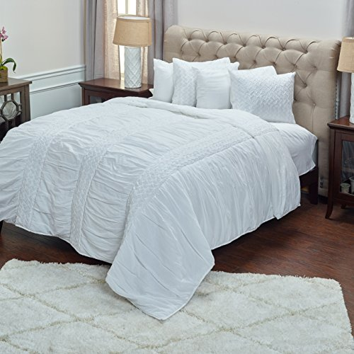 Rizzy Home Carly White Queen Size Quilt 90 Inches X 92 Inche