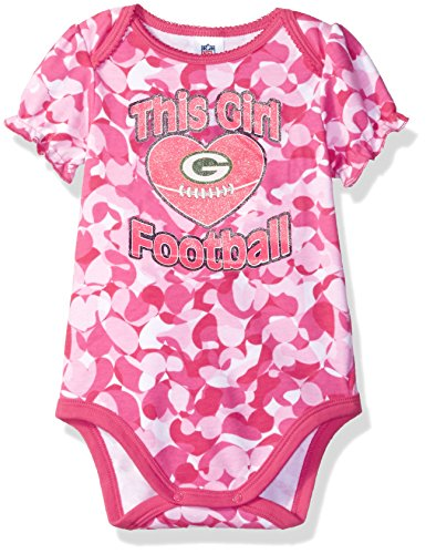 (NFL Green Bay Packers Baby-Girls Heart Camo Bodysuit, Pink, 0-3 Months)