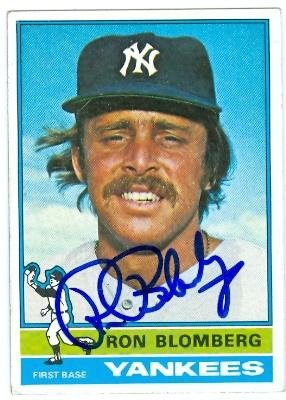 Ron Blomberg autographed Baseball Card (New York Yankees) 1976 Topps Card - Autographed Baseball Cards ()