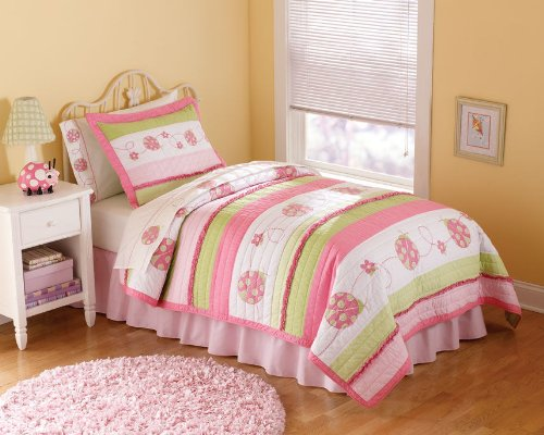 Crazy Pink Ladybug Twin Quilt with Pillow (Crazy Pink Ladybug)