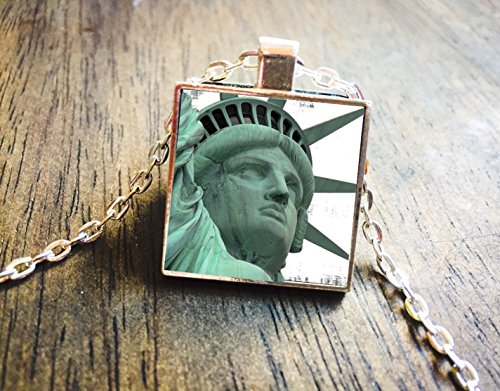 Statue of Liberty New York City Staten Island Silver Necklace Pendant - Boutiques Island Staten