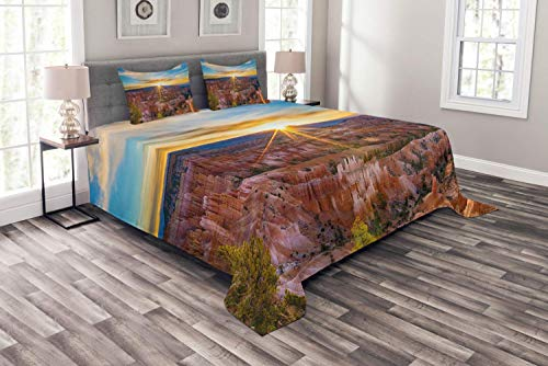 Lohebhuic Zion National Park Bedspread Photo of Sun Rising Above Horizon with Rays Over Bryce Canyon Panorama Decorative Quilted 3 Piece Coverlet Set with 2 Pillow ()