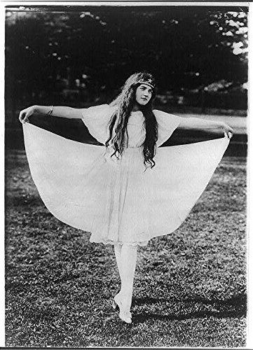 Titania Costume (Photo: Blind girl as Titania, Overbrook, Philadelphia, Pennsylvania, c1915, Costume, Theater .)