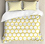 Yellow and White Duvet Cover Set Queen Size by Ambesonne, Hexagonal Pattern Honeycomb Beehive Simplistic Geometrical Monochrome, Decorative 3 Piece Bedding Set with 2 Pillow Shams, Yellow White