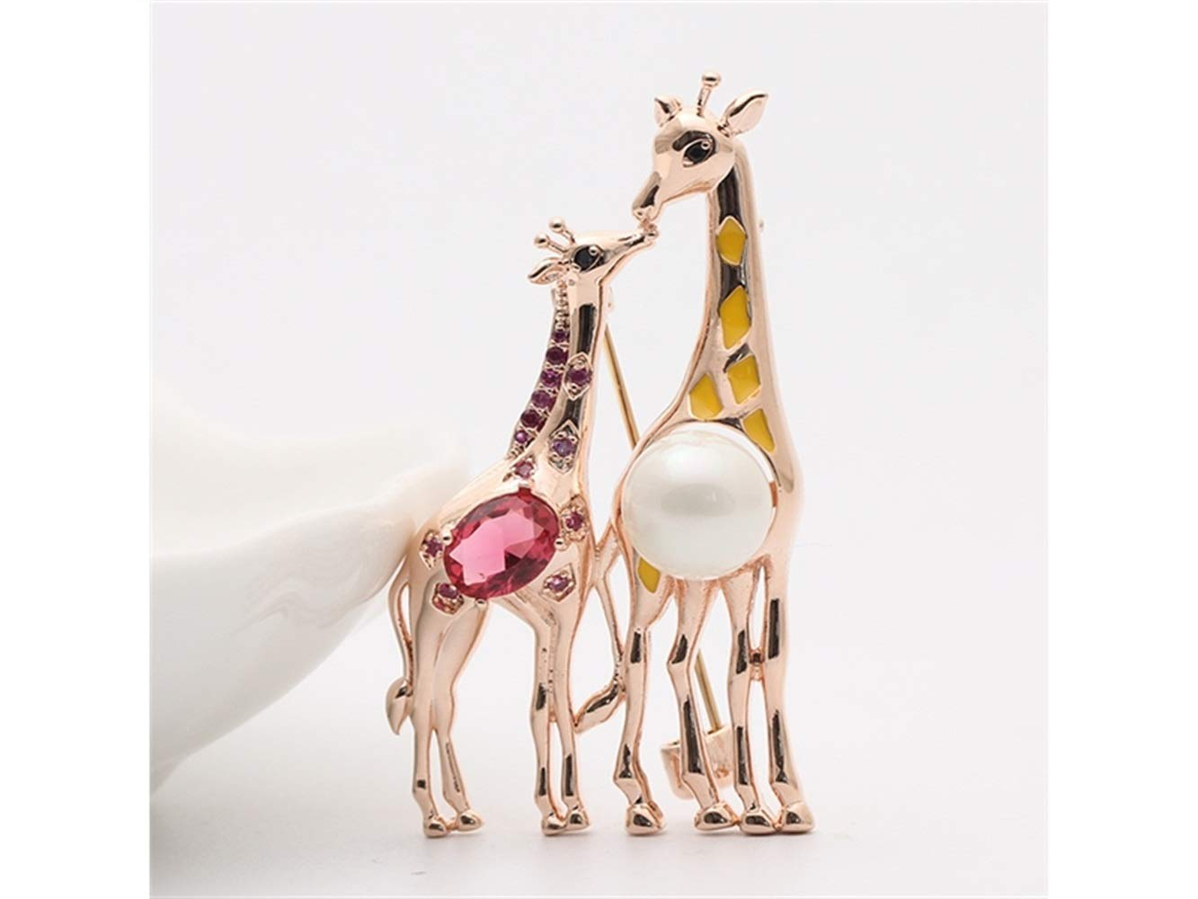 Or BrocheFashinable et Raffin/ée Yter Broche Style Vintage Simple Girafe Broche Mariage Banquet v/êtements de mari/ée Corsage d/écoratif pour Les Femmes Cadeau