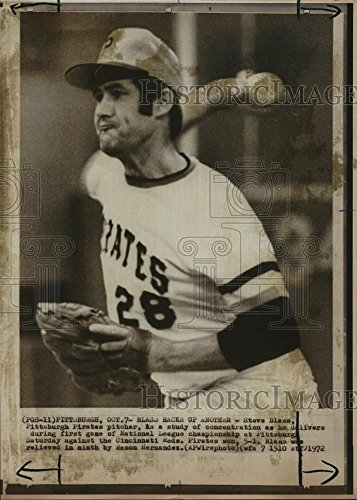 (1972 Wire Photo Steve Blass Pittsburgh Pirates Pitcher Study in Concentration)