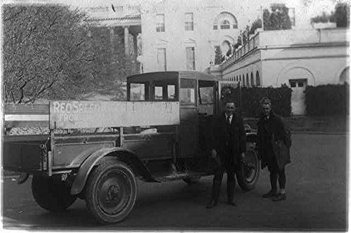 photo-reo-truckbrought-eskimo-pie-from-chicago-to-president-hardingwhite-house1922