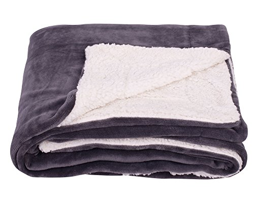 - SOCHOW Sherpa Fleece Throw Blanket, Double-Sided Super Soft Luxurious Plush Blanket Twin Size, Dark Grey