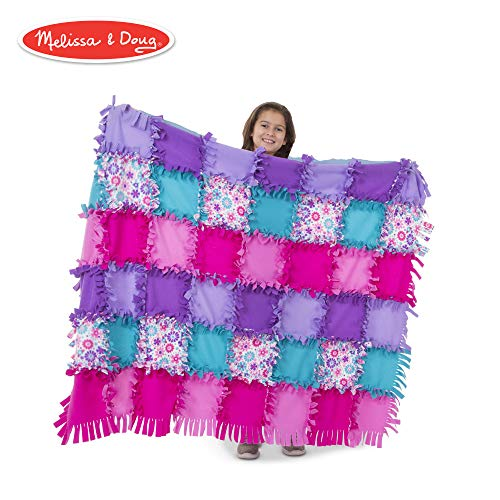 Melissa & Doug Created by Me! Flower Fleece Quilt (Arts & Crafts, No-Sew Fleece Quilt, Soft Material, 48-Pieces, 5′W × -
