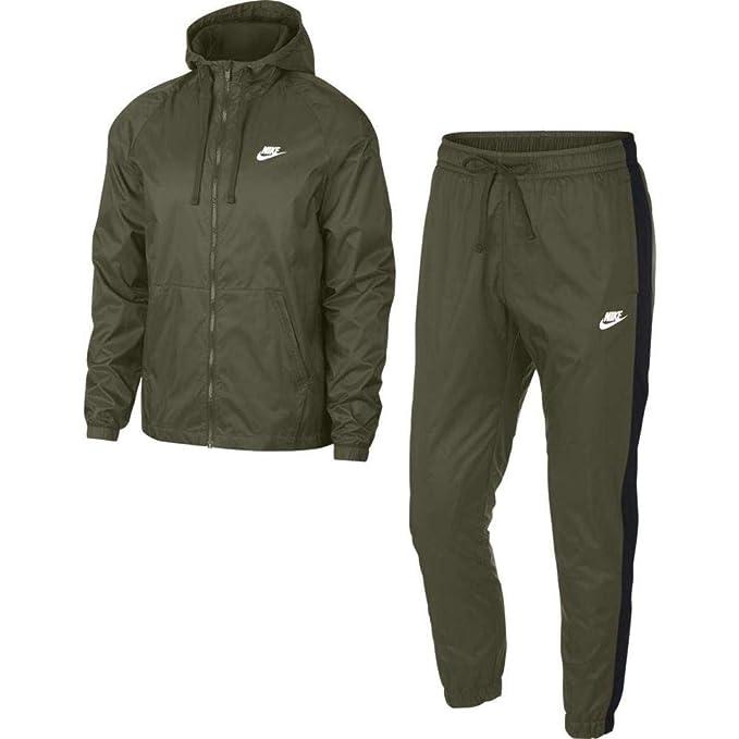 tuta nike uomo nera e giacca verde militare con cappuccio