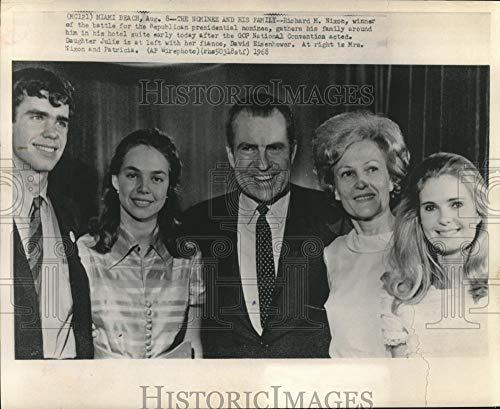 Presidential Office Suite - 1968 Press Photo Richard M. Nixon and family at GOP National Convention, Florida - Historic Images