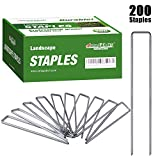 Amagabeli 6 Inch Galvanized Landscape Staples 200 Pack 11 Gauge Garden Stakes Heavy-Duty Sod Pins Anti-Rust Fence Stakes for Weed Barrier Fabric Ground Cover Dripper Irrigation Tubing Soaker