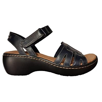 3b18b2eb631b Clarks Womens Delana Nila Leather Sandals 26131505  Amazon.co.uk ...