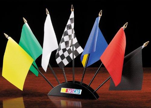 nascar-7-piece-race-flag-set