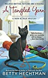 A Tangled Yarn (A Yarn Retreat Mystery)