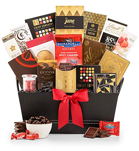 GiftTree The Manhattan Gourmet Premium Snack Food Gift Basket | Luxury Sweets and Savory Fare | Excellent Gift for Corporate Gifting, Family and Friends for Any Occasion