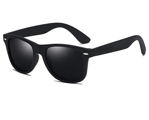 b4c9660a50 Amazon.com  SIKYGEUM Polarized Sunglasses for Men Women Retro Wayfarer Black  HD Vision UV400  Clothing