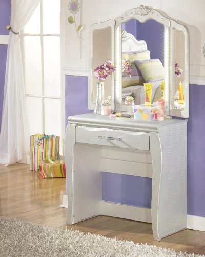 Julia Silver and Pearl Girl's Vanity w/ LED 3 Panels Mirror by FurnitureMaxx