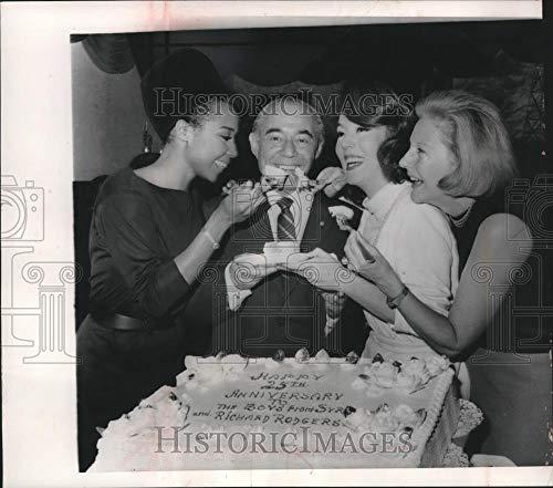 1963 Press Photo Richard Rodgers With Diahann Carroll Lisa Kirk and Benay Venuta - Historic Images]()
