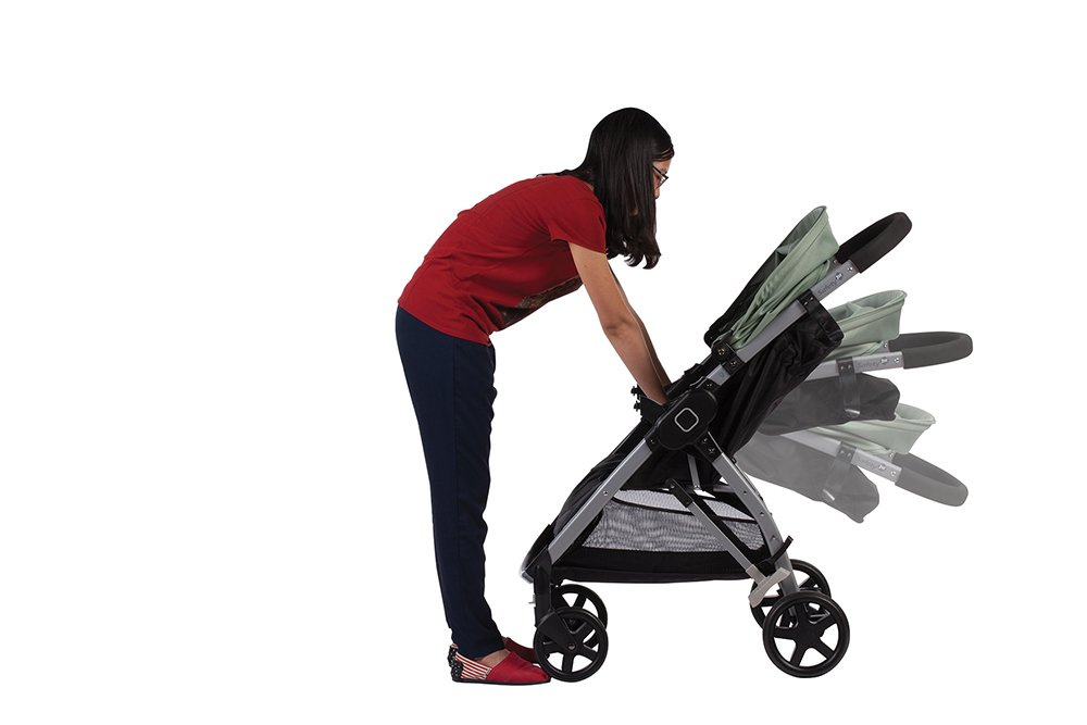 geeignet ab 6 Monaten bis max 15 kg Easy-Open: einfach per Pedal zu /öffnen und leicht /über Schlaufe im Sitz zusammen zu falten Safety 1st Step /& Go Kinderwagen schwarz