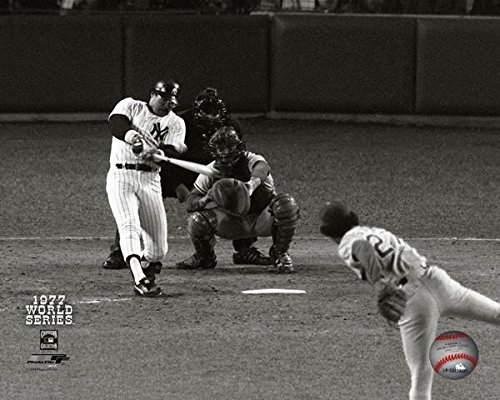 Reggie Jackson New York Yankees 1977 World Series Game 6 2nd HR Photo 8x10 (Photographs Sports)