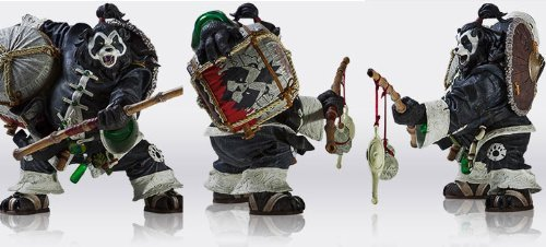 World of Warcraft Pandaren Brewmaster Deluxe Action Figure ()