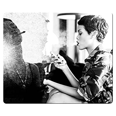 26x21cm 10x8inch game mousemat cloth rubber Non-skid mice Rihanna