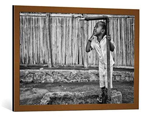 kunst für alle Framed Art Print: Gloria Salgado Gispert El agua ES la vida - Decorative Fine Art Poster, Picture with Frame, 33.5x21.7 inch / 85x55 cm, Copper Brushed