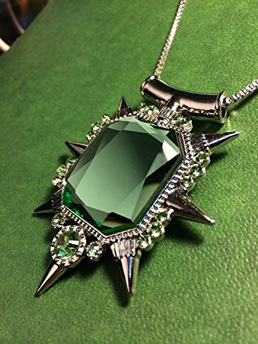 Green Crystal Pendant Necklace - Once Upon a Time the Wicked Witch of the West Zelena Amulet - Silver Tone Chain & Green Stone Charm (Necklace Amulet)