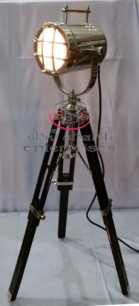 Beautiful Chrome Finish Nautical Searchlight With Black Wooden Tripod Stand Spot Light Studio Table Lamp