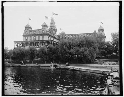 Photo: Hotel Crossmon,piers,docks,resorts,inns,Alexandria Bay,Thousand Islands,NY,1901