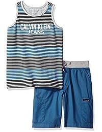 Calvin Klein Conjunto de musculosa y pantalón corto para niño.