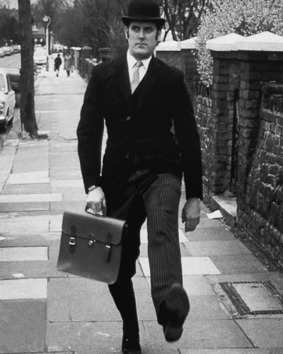 8x10-Poster-Print-GLOSSY-Monty-Python-Ministry-of-Silly-Walks