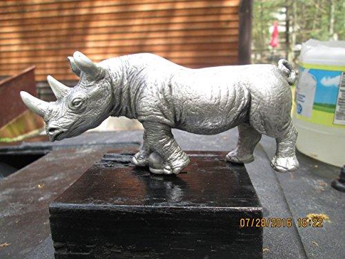 (African Rhinoceros Car Hood)