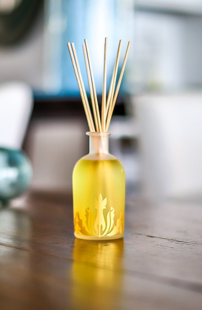 Malie Island Ambiance Reed Diffuser - Mango Nectar by Malie (Image #2)