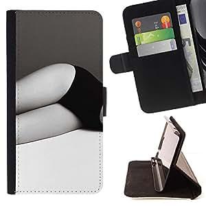 For Apple iPhone SE / iPhone 5 / iPhone 5S Case , Piernas Negro Blanco Bragas Mujer- la tarjeta de Crédito Slots PU Funda de cuero Monedero caso cubierta de piel