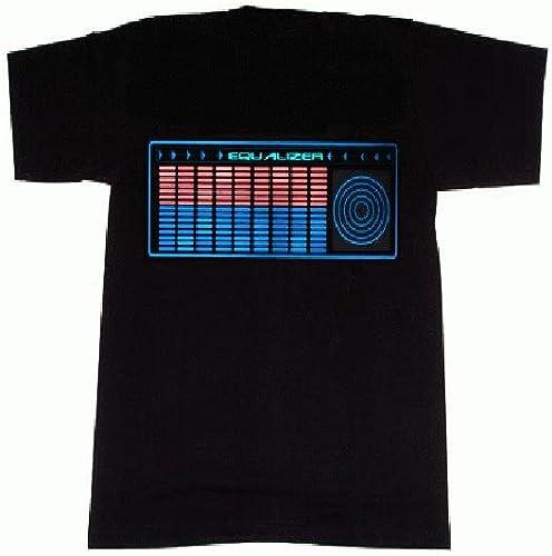 Camiseta con diseño de radio de coche.