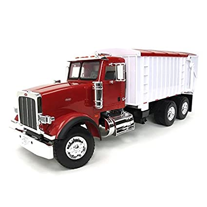 Amazon com: Case IH 1/16th Big Farm Peterbilt 367 Truck with