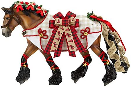 Breyer Horses 2020 Holiday Collection | Traditional Series Holiday Horse – Yuletide Greetings | Model #700123
