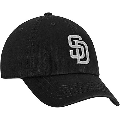 7222e3126ba Amazon.com   San Diego Padres  47 Black Out Franchise Fitted Hat   Sports    Outdoors