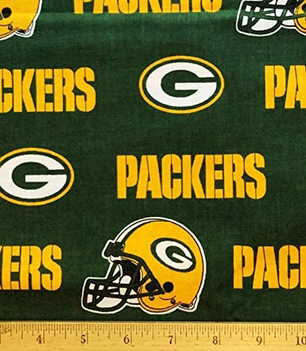 Amazon Com 1 2 Yard Green Bay Packers Football Broadcloth Green Cotton Fabric Great For Quilting Sewing Craft Projects Quilt Throw Pillows More 1 2 Yard X 58