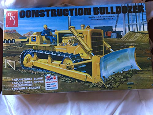 (Construction Bulldozer Plastic Model Kit, , Paint and Glue required)
