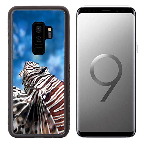 Luxlady Premium Samsung Galaxy S9 plus Aluminum Backplate Bumper Snap Case IMAGE ID: 20368231 Lionfish swims in the water column