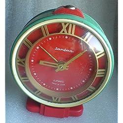 YANTAR Soviet Russian Alarm Table Desk Clock JANTAR Vintage 4 Jewels USSR Green