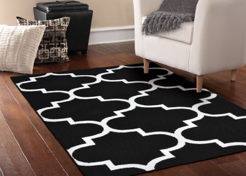 Garland Rug Quatrefoil Area Rug 5 By 7 Feet Black White Home Garden Decor Rugs