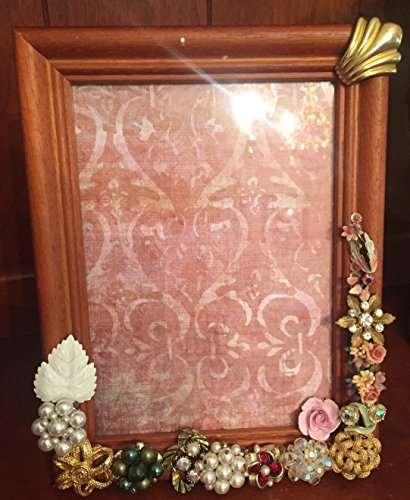 [Vintage Wood 5 x 7 Piture Frame Accented with Costume Jewelry - One of a kind] (One Of A Kind Costumes)