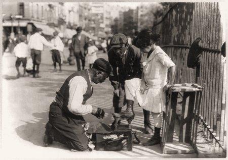 Shoe Shine N Y 1916 - Vintage US Street Scene Mouse Mat
