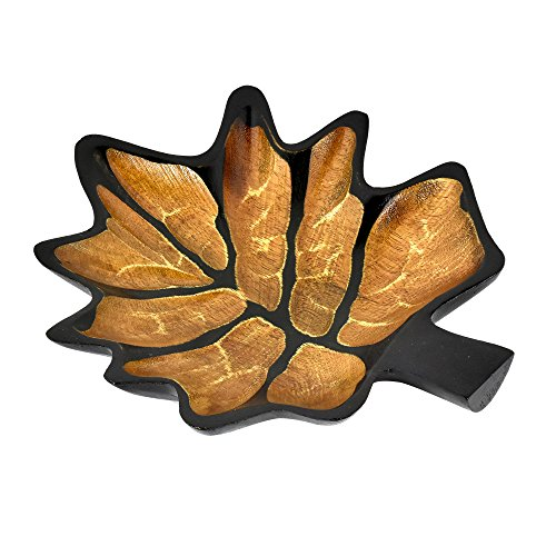 AeraVida Autumn Wine Grape Leaf Mango Wood Plate/Tray