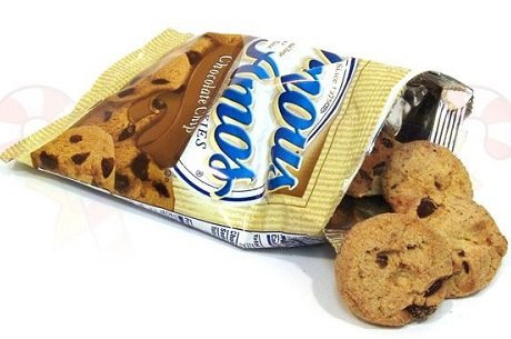 famous-amos-bite-size-chocolate-chip-cookies